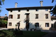 Villa-Laura